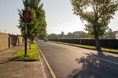 Lever de soleil la route Image libre de droits