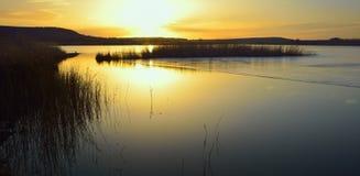 Lever de soleil, lac Images stock