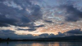 Lever de soleil méditerranéen coloré en automne 01 banque de vidéos
