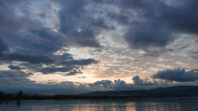 Lever de soleil méditerranéen coloré en automne 02 banque de vidéos