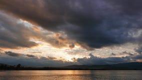 Lever de soleil méditerranéen coloré en automne 10 banque de vidéos