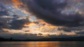 Lever de soleil méditerranéen coloré en automne 08 clips vidéos