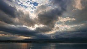 Lever de soleil méditerranéen foncé en automne 03 banque de vidéos