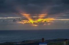 Lever de soleil de novembre au-dessus de Levenwick, îles Shetland Images libres de droits