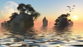 Lever de soleil ou ensemble avec la lune et les îlots rocheux Photographie stock libre de droits