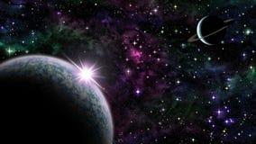 Lever de soleil pourpre au-dessus de planète dans l'espace Image stock