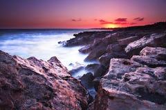 Lever de soleil rocheux Photos stock