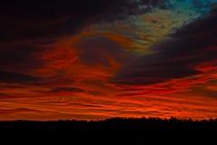 Lever de soleil rouge foncé Photos libres de droits