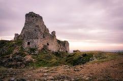 Lever de soleil de ruines de château de Turna photographie stock libre de droits
