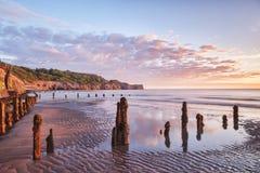 Lever de soleil Sandsend, Whitby, North Yorkshire R-U images stock