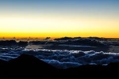 Lever de soleil spectaculaire au cratère de Haleakala - Maui, Hawaï Images stock