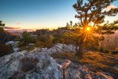 Lever de soleil stupéfiant de gorge de Linville Photographie stock