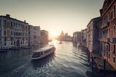 Lever de soleil sur Grand Canal à Venise Images stock
