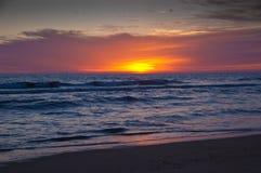 Lever de soleil sur l'Océan Atlantique Image libre de droits