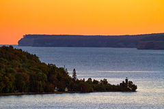 Lever de soleil sur la baie de Munising photos libres de droits