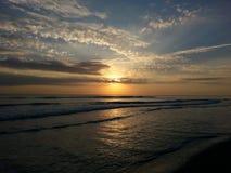 Lever de soleil sur la côte de trésor Photographie stock libre de droits