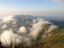 Lever de soleil sur la montagne Photos stock