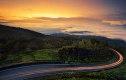 Lever de soleil sur la montagne d'Inthanon Images stock