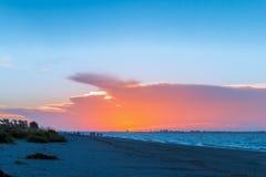 Lever de soleil sur la plage Images stock