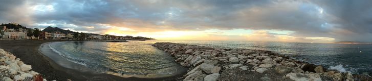 Lever de soleil sur la plage, Malaga, Andalousie, Espagne Photographie stock