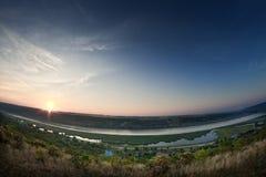 Lever de soleil sur la rivière Images libres de droits