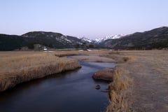 Lever de soleil sur le parc de moraine en Rocky Mountain National Park Photographie stock libre de droits