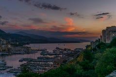 Lever de soleil sur le port du Monaco - 1 Photos libres de droits