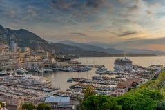 Lever de soleil sur le port du Monaco - 2 Photos stock