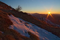 Lever de soleil sur les Alpes italiens Image stock