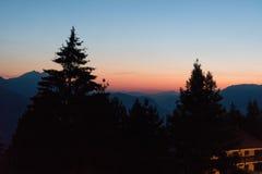 Lever de soleil sur les montagnes Photo stock