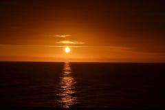Lever de soleil sur Queen Mary photo stock
