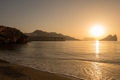Lever de soleil sur une plage à Aguilas, Murcie Image libre de droits