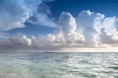 Lever de soleil sur une plage Images stock
