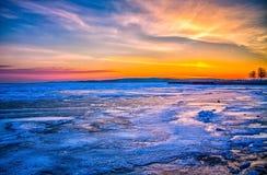 Lever de soleil transversal de ville Photographie stock libre de droits