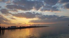 Lever de soleil de ville néerlandaise Vlissingen photographie stock