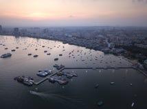Lever de soleil de vue aérienne à la plage de Pattaya en Thaïlande Photo libre de droits