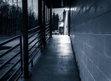 Leveringsgebied van een verlaten winkelcentrum. royalty-vrije stock afbeelding
