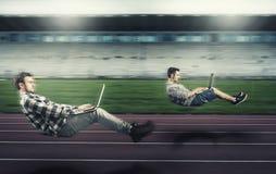 Levitare veloce equipaggia su una pista corrente Immagine Stock Libera da Diritti