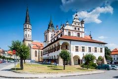Levoca en Eslovaquia Plaza principal con ayuntamiento Fotos de archivo libres de regalías