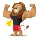Lew atleta pokazuje mięśnie Zdjęcia Royalty Free