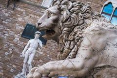 Lew przy loggii dei Lanzi Palazzo Vecchio Florencja Zdjęcie Royalty Free