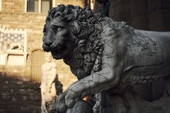 Lew rzeźba obrazy royalty free