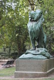 Lew rzeźba w Luksemburg ogródzie Obrazy Royalty Free