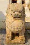 Lew statua przy Wata tha Luang świątynią, Phichit, Tajlandia Obraz Royalty Free