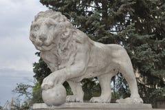 Lew statua w Odessa, Ukraina zdjęcia stock