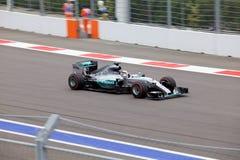 Lewis Hamilton av Mercedes AMG Petronas Formel en Sochi Ryssland Arkivfoton