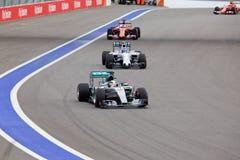 Lewis Hamilton av Mercedes AMG Petronas Formel en Sochi Ryssland Royaltyfri Fotografi