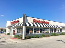 Logo entrance of Steak and Shake fast-food chain in Texas, USA. LEWISVILLE, TX, USA-SEP 2, 2018:Facade of Steak n Shake, an American casual restaurant chain with royalty free stock photo