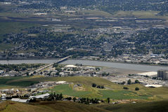 LEWSITON从LEWISTON小山的谷视图 免版税库存图片
