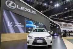 Lexus ÄR bilen 300h på expon 2016 för den Thailand Internationalmotorn Arkivfoton